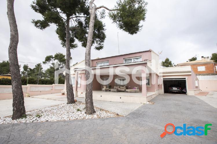 Chalet en venta de 282 m² en Avenida del General, 46312