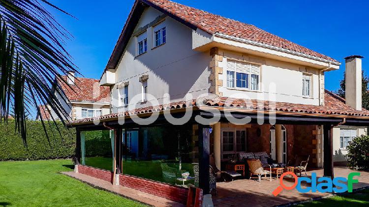 Chalet en venta de 390 m² en Urbanización Altamira (Soto