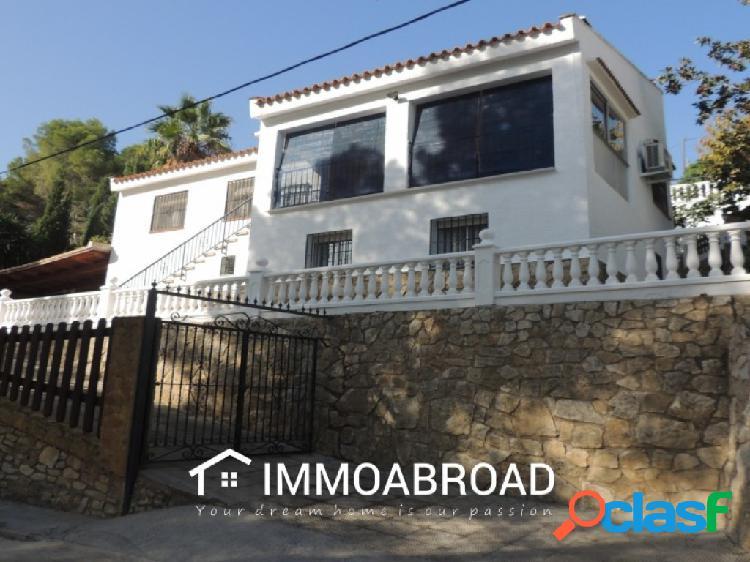 Chalet en venta en Villalonga con 5 dormitorios y 2 baños