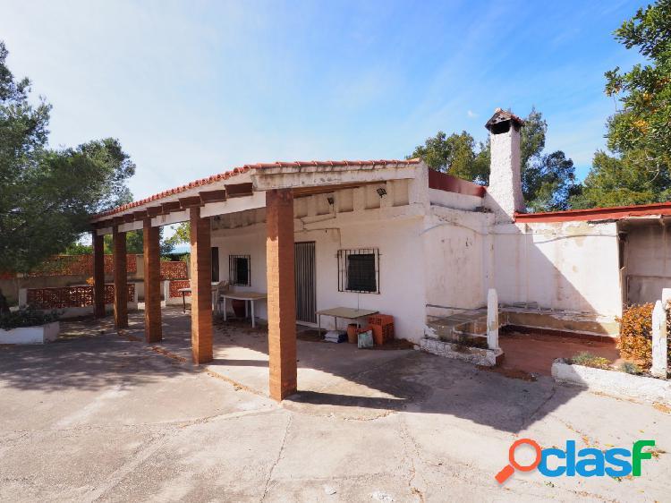 Chalet independiente en venta Olocau