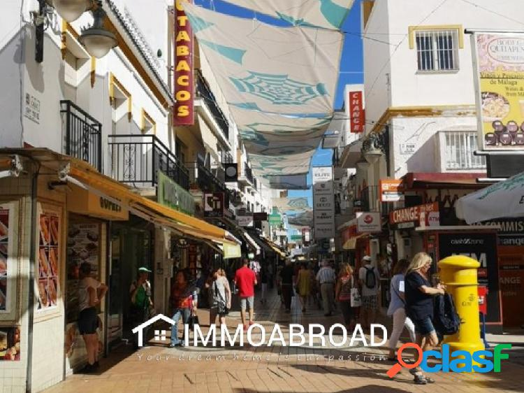 Comercial en venta en Torremolinos-Málaga con 2 dormitorios