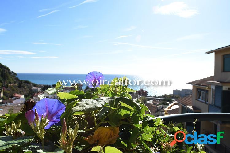 Duplex con espectaculares vistas al mar