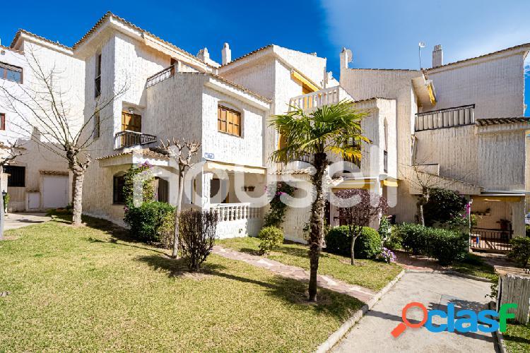 Duplex de 120m² en Avenida Santiago Bernabeu, 03130 Santa