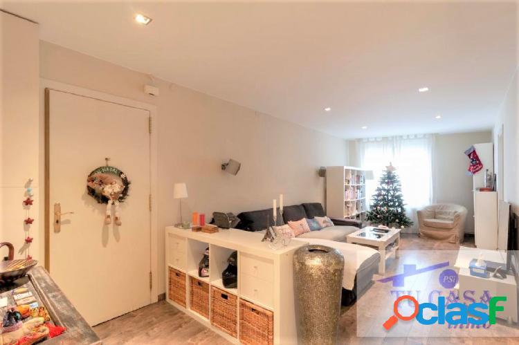ESPACIOSA vivienda de 75 m2 útiles situada en el barrio de