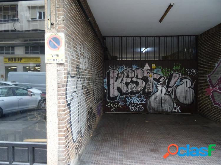 ESTUDIO HOME MADRID OFRECE plaza de garaje doble en la Calle