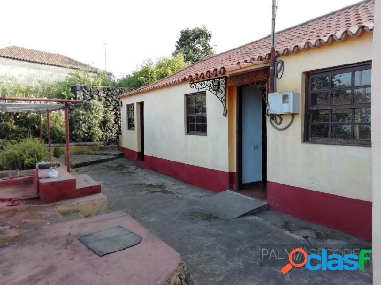 En venta casa terrera con parcela en San Isidro –
