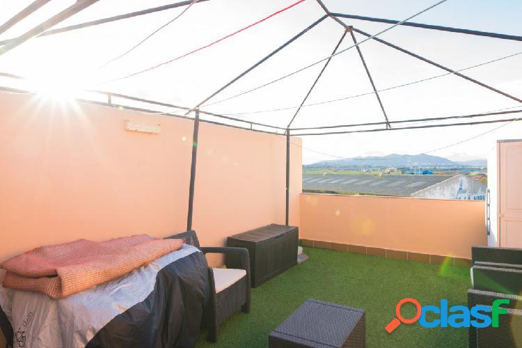 Encantador Ático Duplex en venta en Churriana