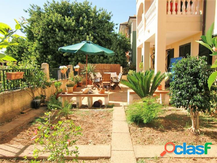 Espectacular Planta Baja con Terraza y Jardín