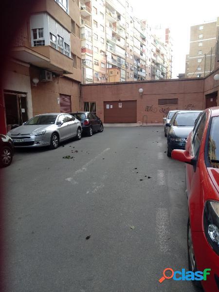 Estupenda plaza de garaje en la zona de Ramón y Cajal con