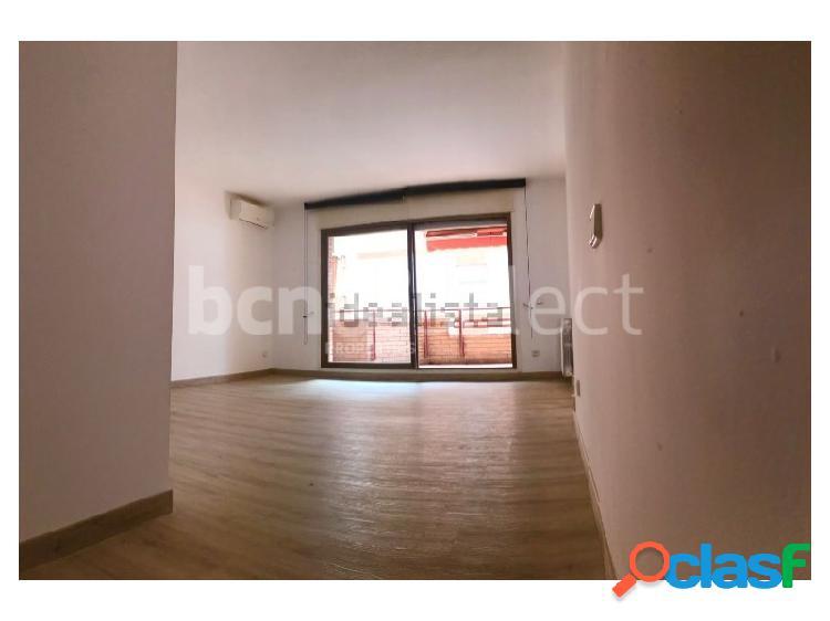 Estupendo piso con Terraza amueblado