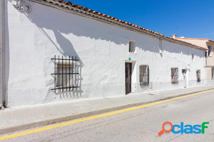 Fantástica casa de pueblo en Torres de la Alameda