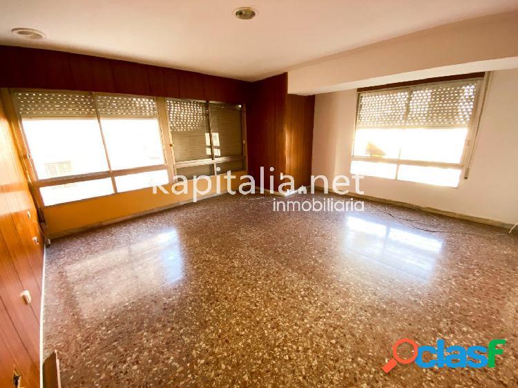 Gran piso a la venta en Ontinyent, zona Llombo ¡Oportunidad