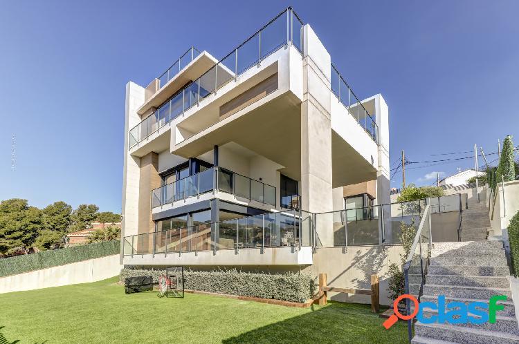 Impresionante casa de obra nueva situada en zona residencial
