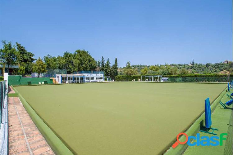 Instalación deportiva a la venta en el corazón de la Costa