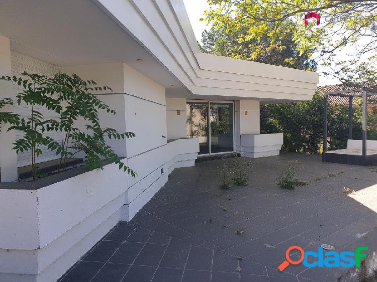 LOS ROBLES - CHALET INDEPENDIENTE EN PARCELA DE 2.068 m2.
