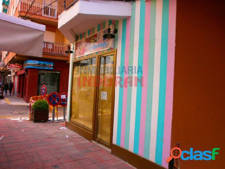 Local comercial acondicionado, de 35 m2, situado junto a la