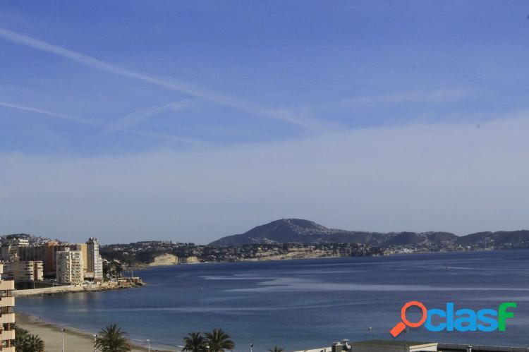 Maravilloso ático con vistas al mar en la playa de Levante