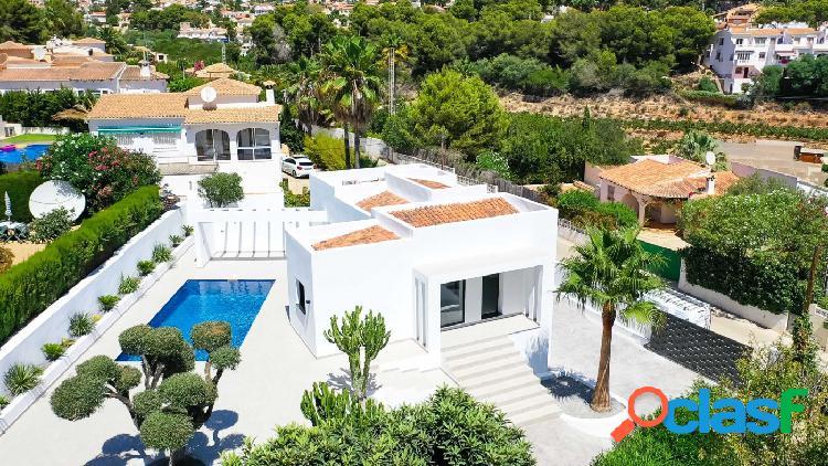 Moderna villa con piscina privada en Moraira