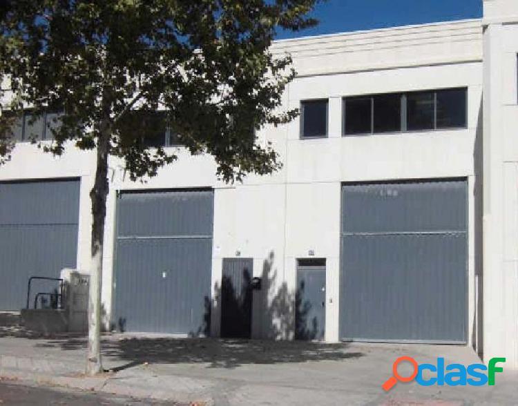 Nave industrial en venta en calle Juan de la Cierva,