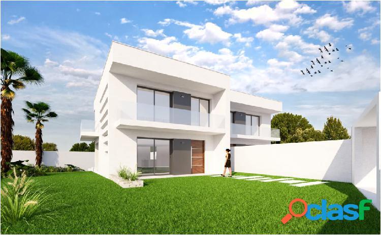 Nuevas villas situadas en Los