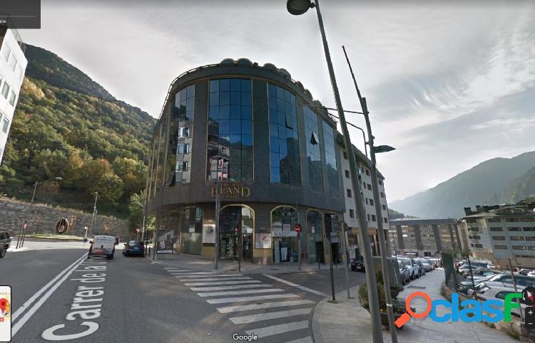 Oficina en VENTA O ALQUILER en pleno centro de Andorra la