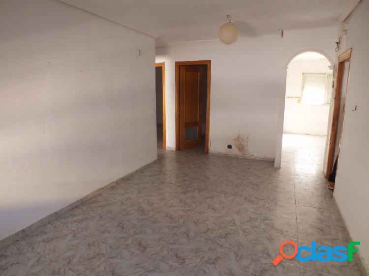 Oportunidad, piso de 3 habitaciones en Los Toreros, 1ª