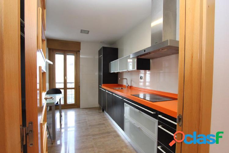 Pamplona- Alquiler en el Ensanche de 3 dormitorios y 2