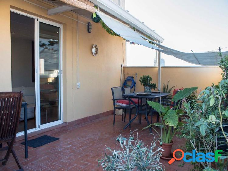 Piso atico en venta con 2 grandes terrazas en Carrer Taulat,