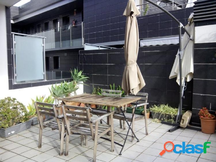 Piso de 2 dormitorios con 13 m2 terraza con garaje y
