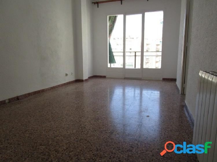 Piso de 4 dormitorios en Les Corts (barcelona)