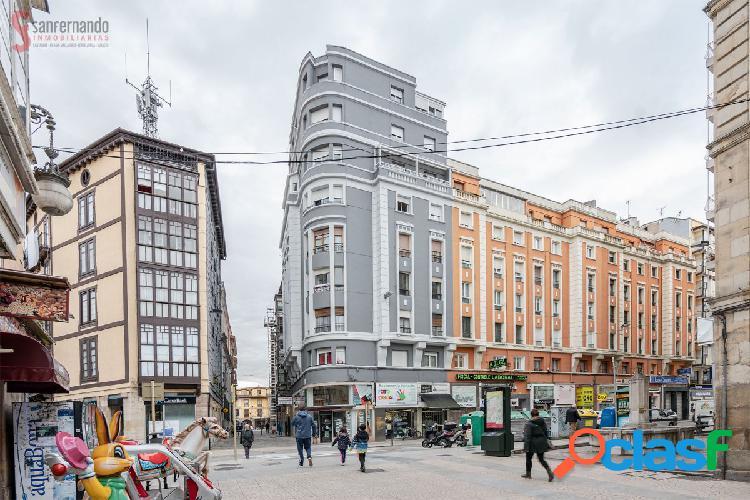 Piso de 4 dormitorios y ascensor en el centro de Torrelavega