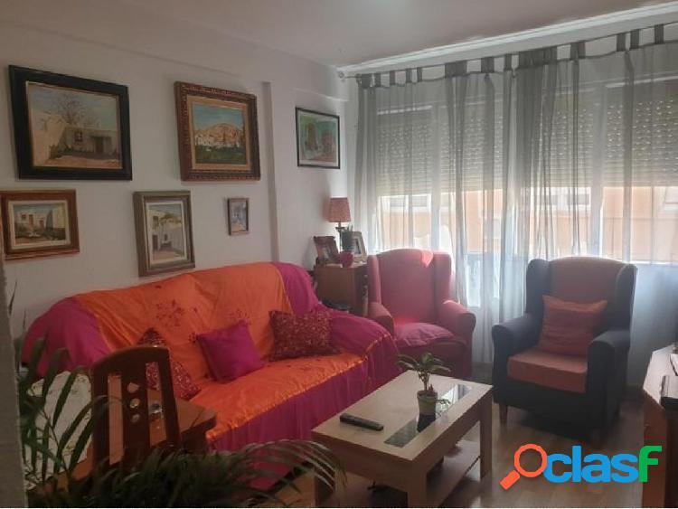 Piso en Almeria zona Altamira, 69 m. 3 habitaciones, un