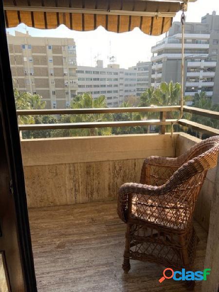 Piso en Almeria zona Centro, 92 m.terraza, 300 m. de la