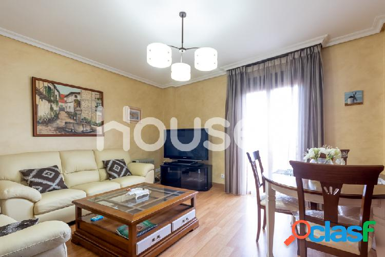 Piso en Venta de 120 m² en Calle Concordia, 10430 Cuacos de