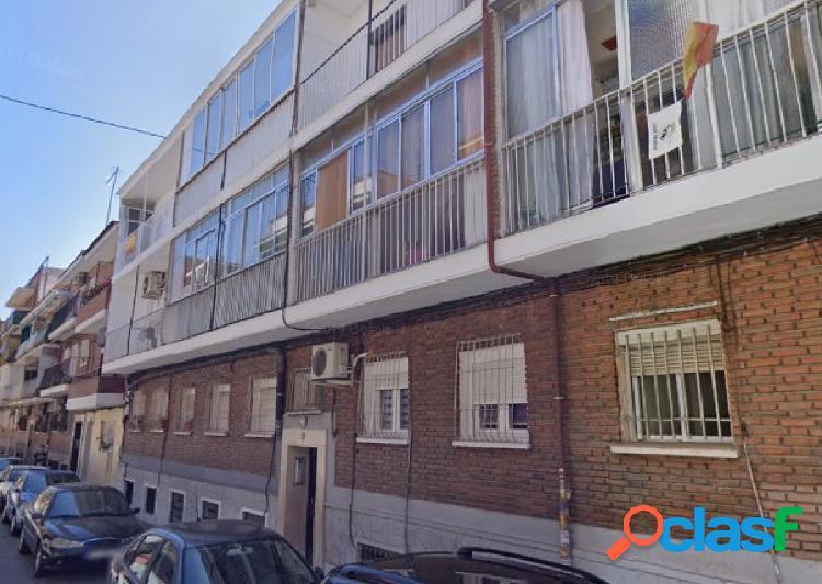 Piso en venta, calle Almazán, 28011 Madrid