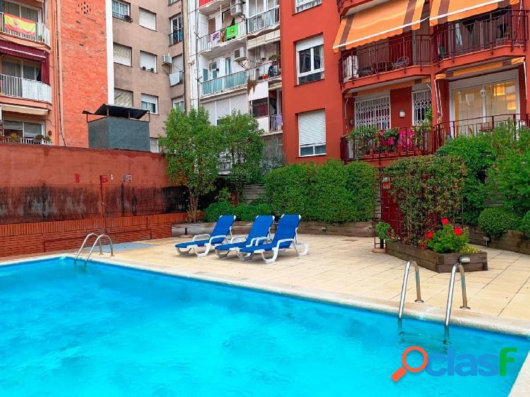 Piso en venta de 101m2, 4 habitaciones y zona comunitaria en