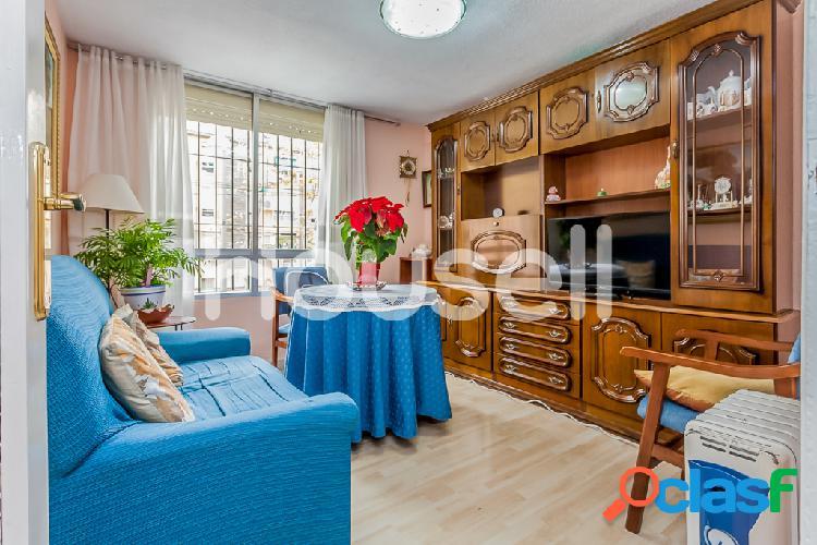 Piso en venta de 47 m² en Calle Arrozal, 28037 Madrid.