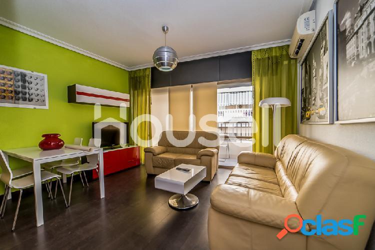 Piso en venta de 72 m² Calle Ramón y Cajal, 03181