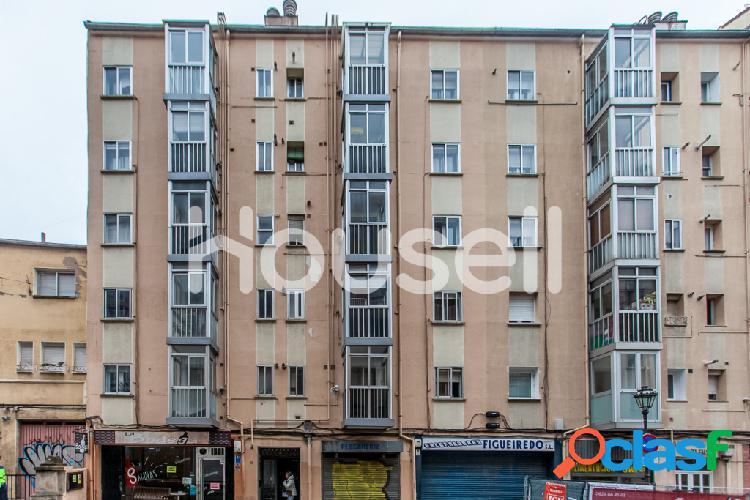 Piso en venta de 92m² en Calle Francisco Salinas, 09003
