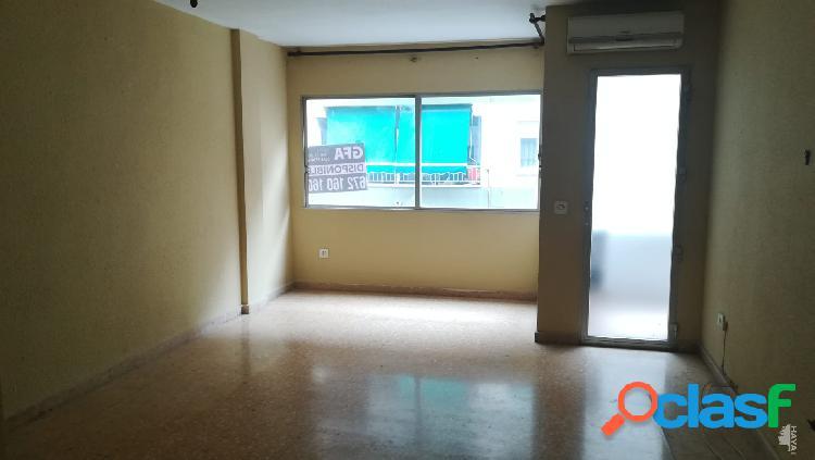Piso en venta en Calle Calderon De La Barca, 67, 46701,