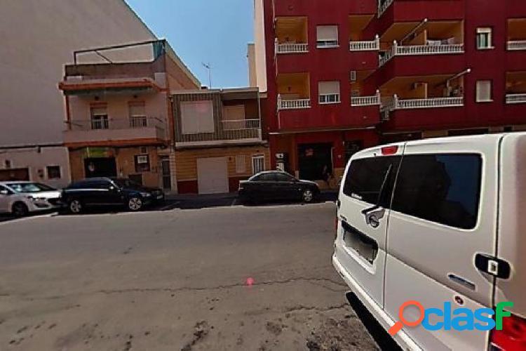 Piso en venta en Calle TORRESAL, Torrevieja
