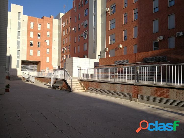 Piso en venta en calle Andrómeda, zona del PAU 4 de