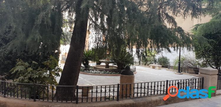 Piso en venta en el centro histórico en Lorca, totalmente