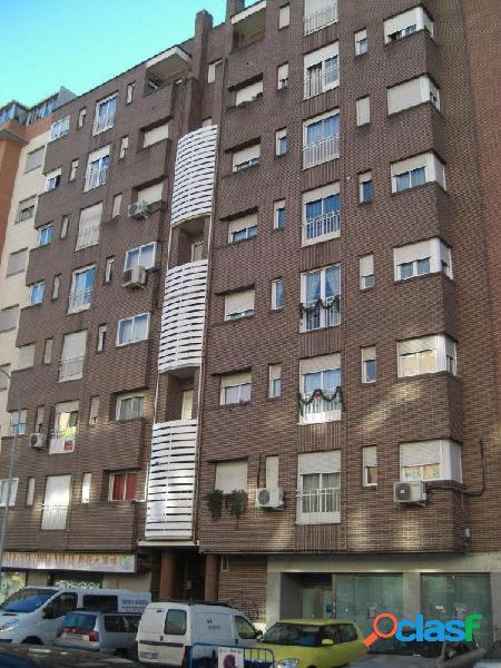Plaza de garaje en calle Grecia, zona Fuenlabrada Central,