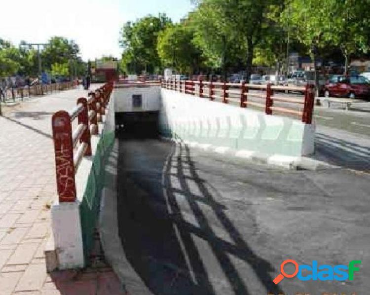 Plaza de garaje en venta en Av. Oeste, 28922 Alcorcón,