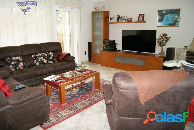 Preciosa casa de 401 m2, 4 hab, 4 baños en parcela de 496