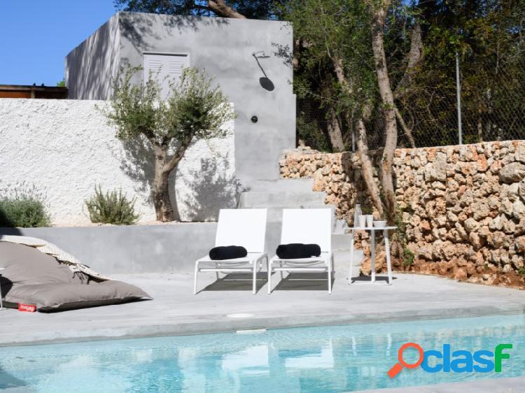 Preciosa casa de pueblo completamente renovada con piscina