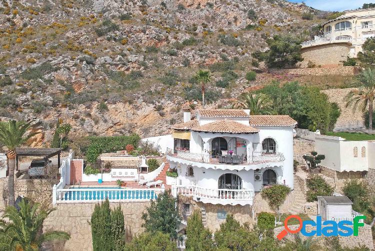 Preciosa villa con increíbles