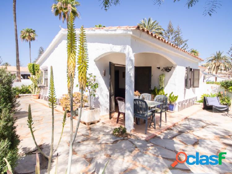 Precioso bungalow en esquina en Playa del Inglés.