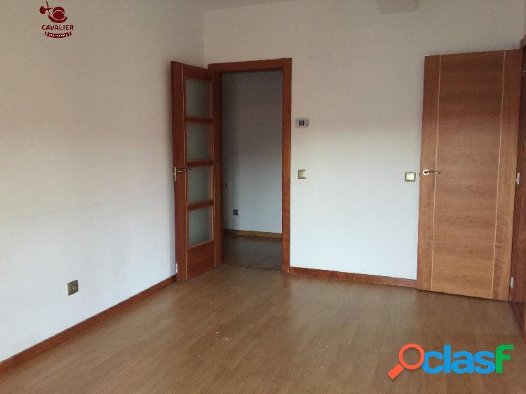 Precioso piso de 72m2 con 2 dormitorios y una gran plaza de
